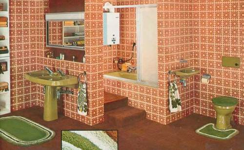 70s bathroom